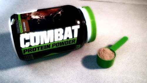 MusclePharm Combat Protein Powder pic